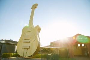 The-Big-Golden-Guitar-Tourist-Centre-Tamworth